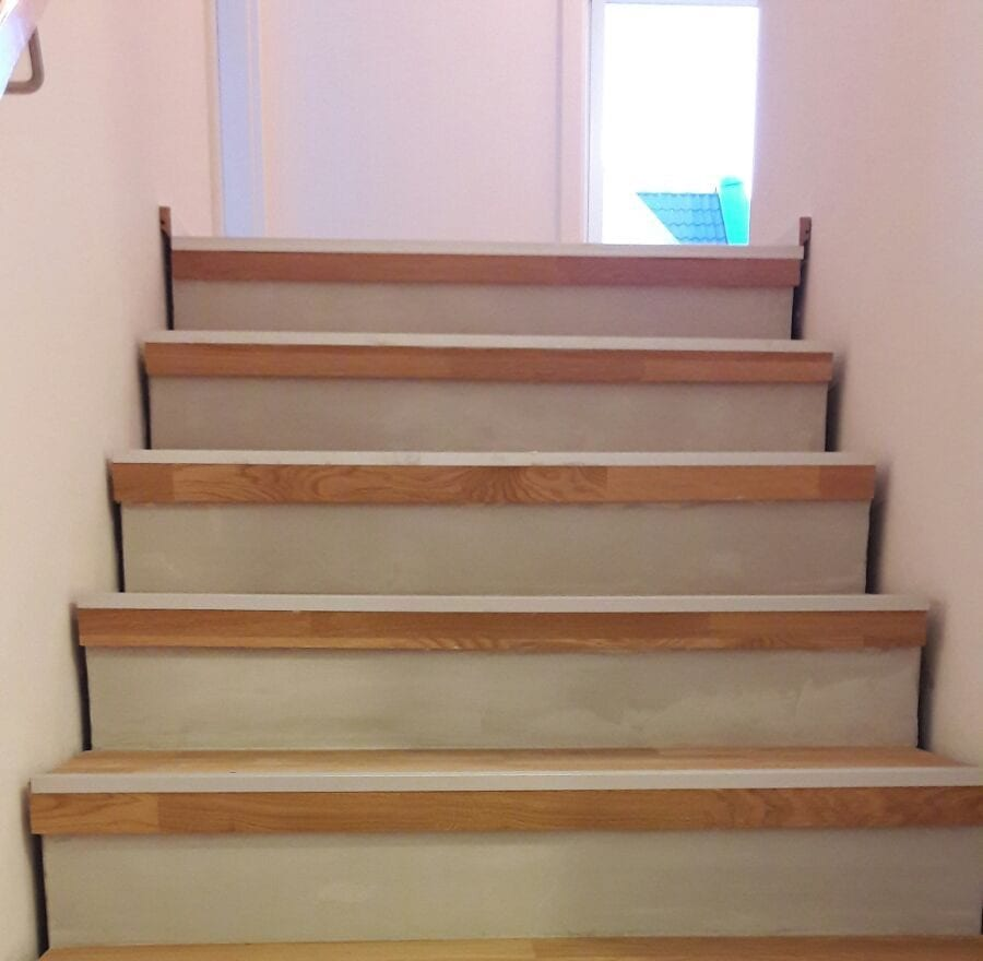 holztreppe renovieren mit laminat treppenrenovierung treppensanierung von tresabo holztreppe. Black Bedroom Furniture Sets. Home Design Ideas