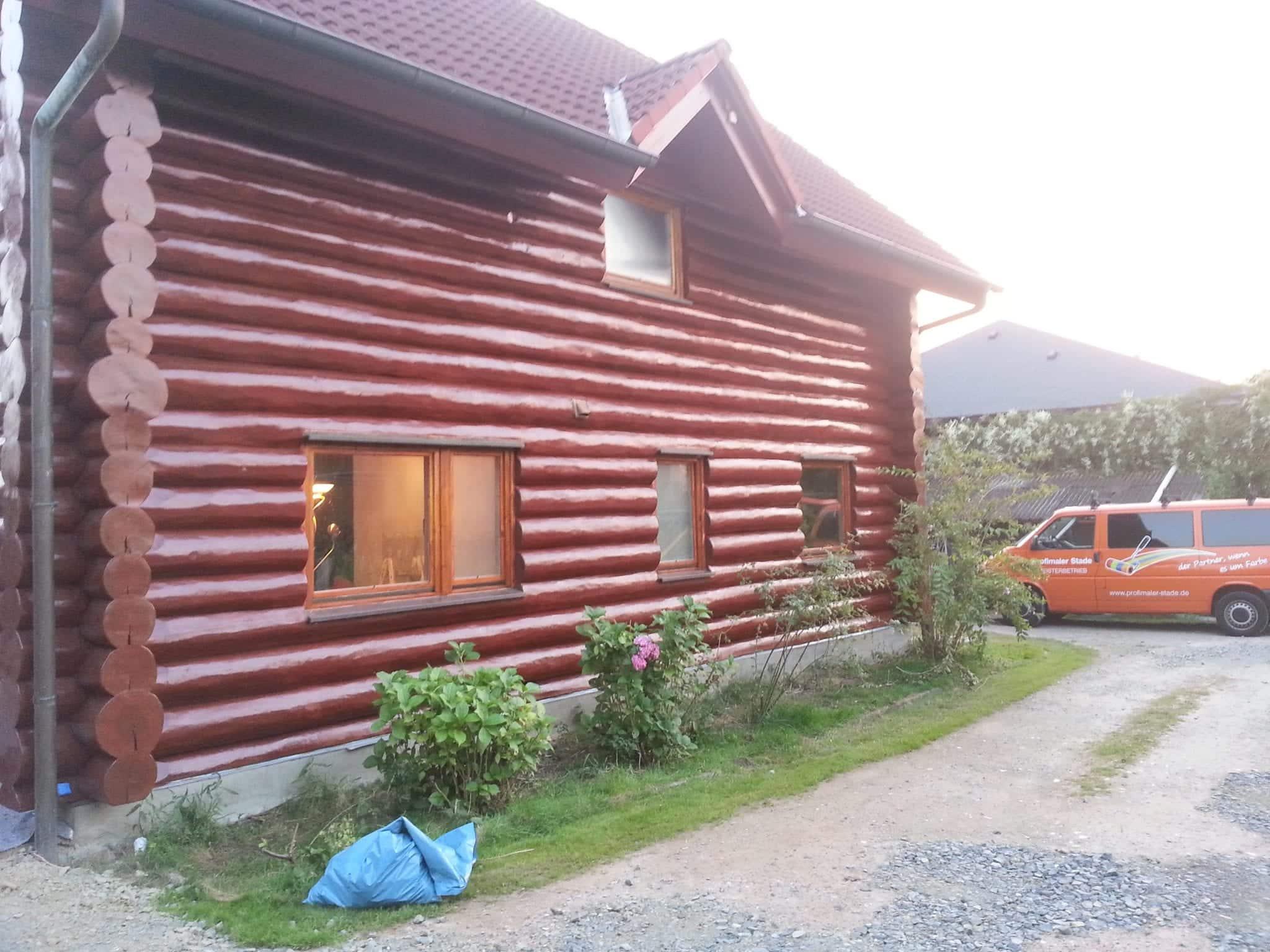 Holzhaus Streichen