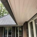 Maler für Fassaden und Dachholz streichen