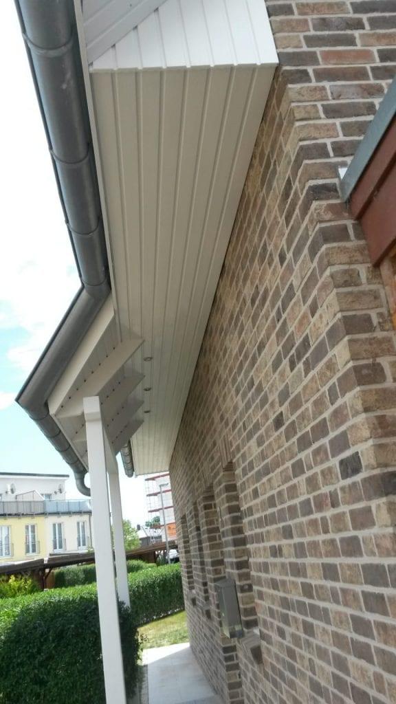 Dachuntersichten, Ortgangbretter Streichen