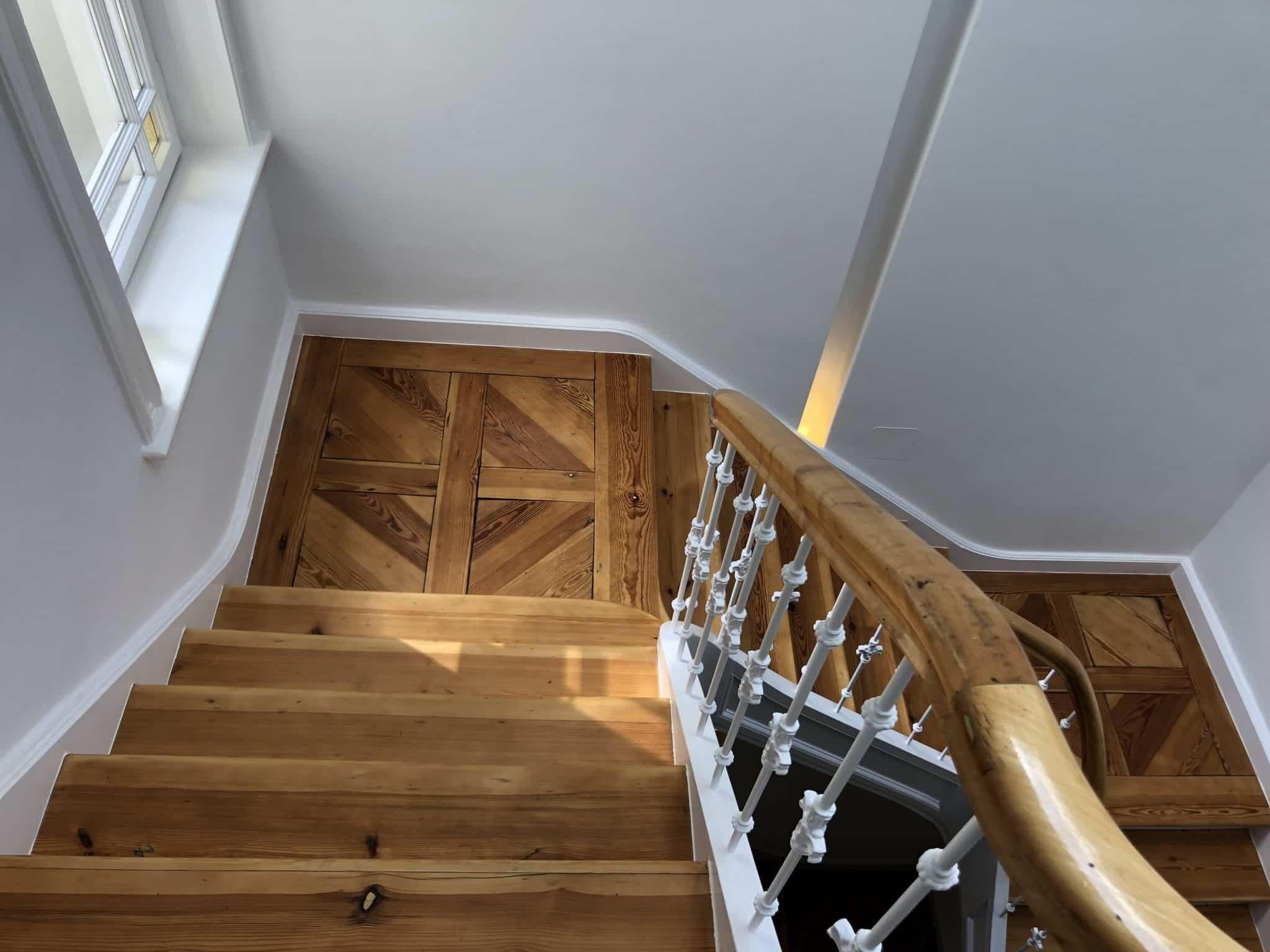 Treppenstufen schleifen und ölen lassen