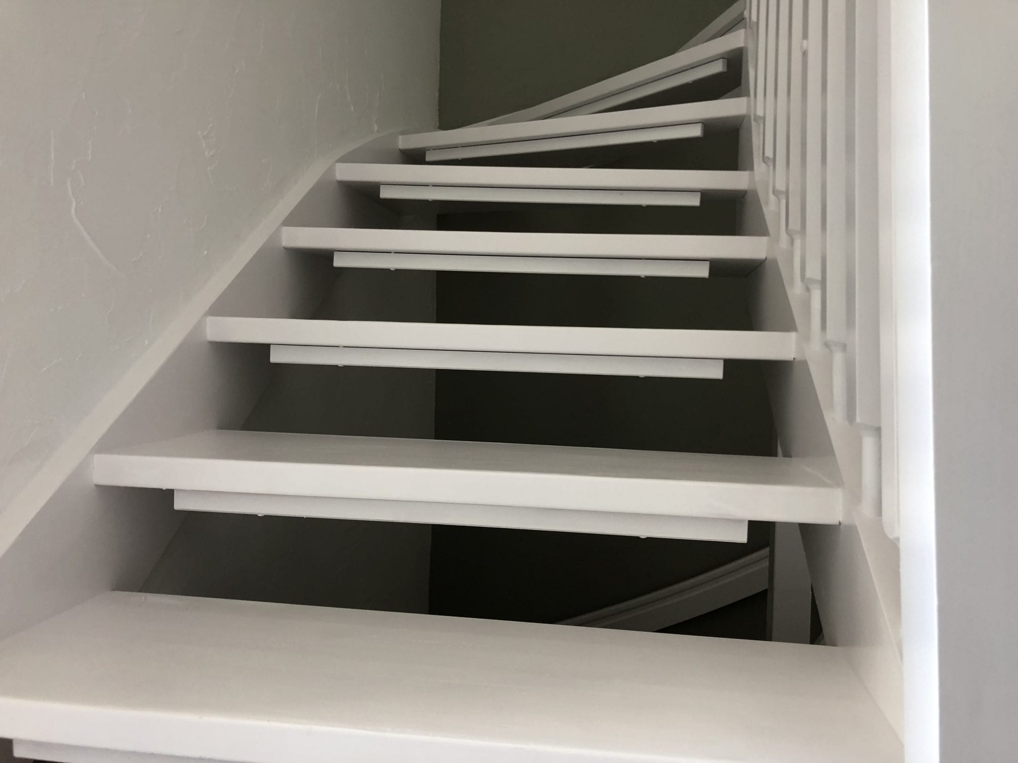Treppenstufen streichen